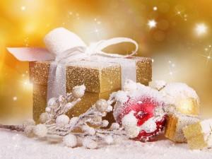Postal: Vistosos adornos para Navidad
