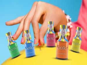 Bonitos colores de pinta uñas