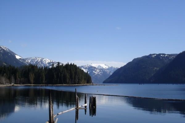 Calma en un maravilloso lago