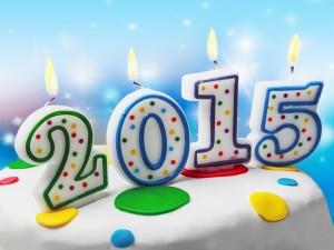Postal: Feliz Año Nuevo 2015 con un pastel para celebrar