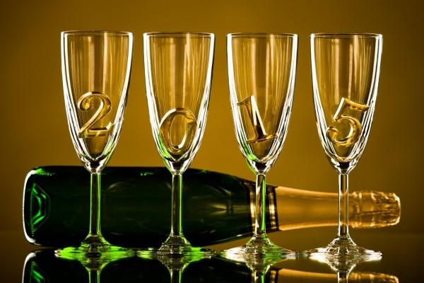 """Copas y champán para festejar el """"Nuevo Año 2015"""""""