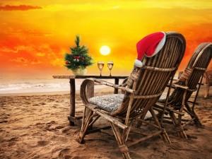 Postal: Festejando la Navidad en una playa
