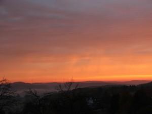 Un bonito cielo al amanecer