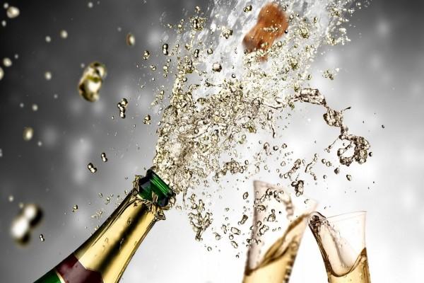 """Festejando el """"Año Nuevo 2015"""" con champán"""
