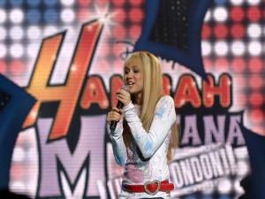 Miley Cyrus en un concierto de Hannah Montana