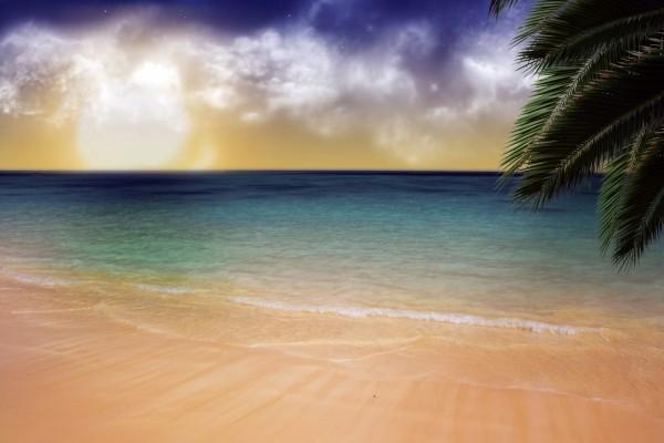 Dos cielos en una playa