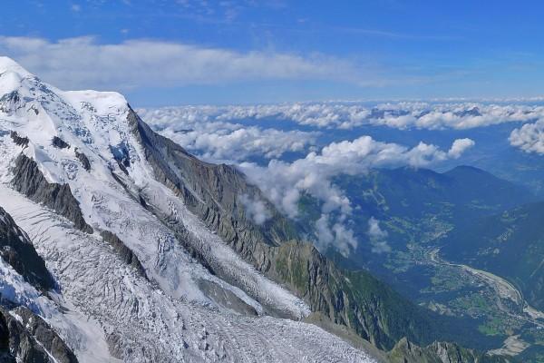 Increíbles vistas desde lo alto de una montaña