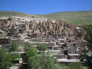 Aldea troglodita de Kandovan (Irán)