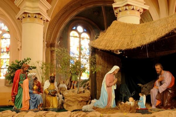 La Sagrada Familia celebra el nacimiento del Niño Jesús