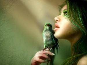 Mujer ave con un pájaro verde