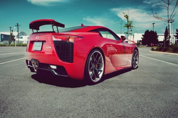 Lexus LFA rojo