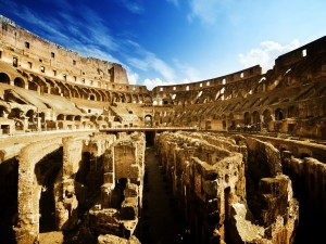 Postal: Interior del Coliseo de Roma