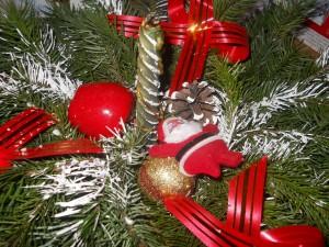 Postal: Adornos en tiempo de Navidad