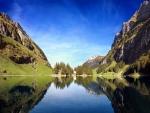 Verano en un lago de Suiza