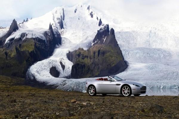 Aston Martin en un glacial