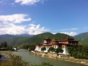 Postal: Río Mo Chu en Punakha (Bután)