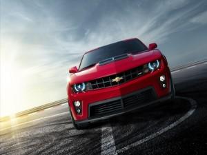 Postal: Chevrolet Camaro rojo