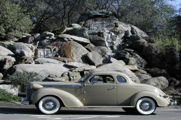 Un impecable Chrysler Imperial 1937