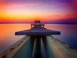 Muelle sobre el lago