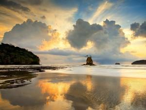 Postal: Playa en la Península de Nicoya, Costa Rica