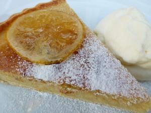 Postal: Porción de tarta de limón