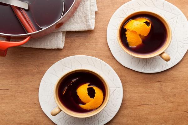 Vino dulce aromatizado con naranja y canela