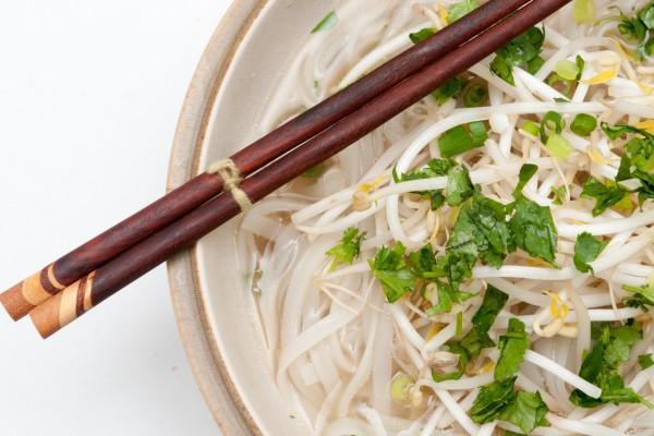 Sopa de brotes de soja