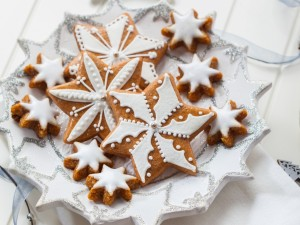 Postal: Galletas estrella decoradas con glasa