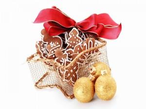 Adornos y galletas navideñas