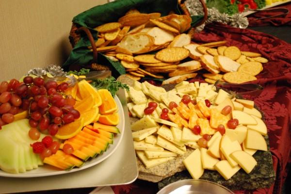 Frutas, quesos y panes