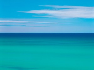 Los colores azules del mar y el cielo
