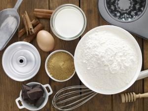 Postal: Ingredientes para hacer un bundt cake