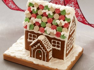 Gingerbread house con galletas y golosinas