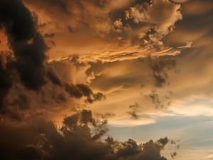 Grandes nubes en el cielo