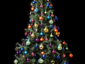 Postal: Árbol navideño con bolas de colores