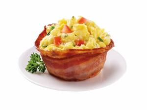 Original desayuno de huevos con bacón