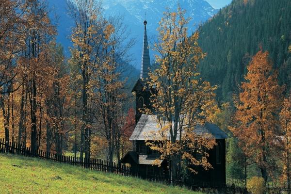 Iglesia de madera en Tatranska Javorina