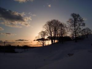 Postal: Paisaje nevado al amanecer