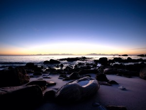 Postal: Cielo iluminado al amanecer