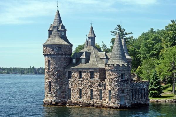 Castillo de piedra en Las Mil Islas de San Lorenzo
