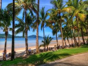 Postal: Vista a la playa desde la carretera