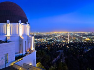 Vista de la ciudad de Los Ángeles desde un edificio de las afueras