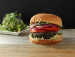 Hamburguesa vegana con germinados
