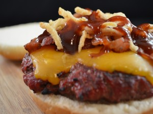 Postal: Hamburguesa de costillas con salsa barbacoa