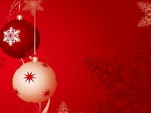 Fondo rojo con bolas de Navidad