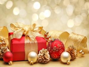 Adornos y regalos navideños