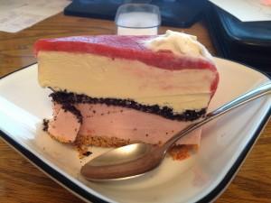 Una porción de tarta helada