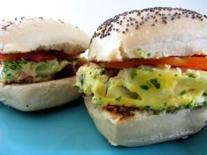 Postal: Sándwich de tortilla con verduras