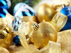 Postal: Bolas doradas para Navidad