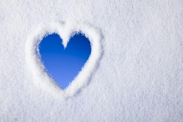 Un corazón en la nieve